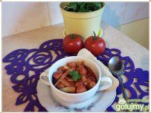 Szparagowa fasolka z parówkami w sosie