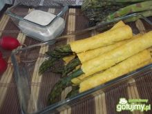 Szparagowe paluszki z dipem