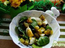 Szpiankowa z jajkiem i oliwkami