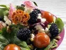 Szpinak i jezyny - salatka letnia 2
