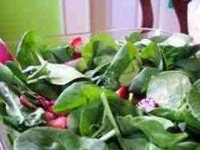 Szpinak i truskawki - letnia salatka