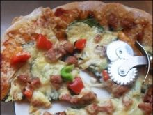Szpinakowa pizza
