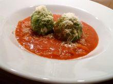 Szpinakowe klopsiki w sosie bolońskim
