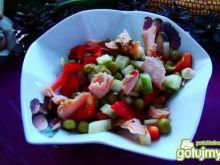 Szwedzka sałatka z łososiem