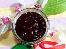 Szybka konfitura z borówki amerykańskiej lub jagód