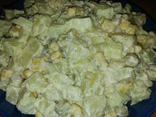 Szybka sałatka z groszkiem i kukurydzą