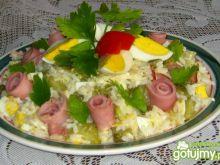 Szybka sałatka z ryżem i jajkiem