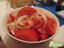 szybka surówka z pomidorów i cebuli