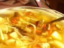 Szybka zupa z mieszanki chińskiej