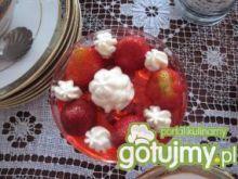 Szybki deser na zimno z owocami
