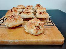 Szybkie bułeczki z serem