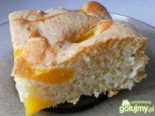 Szybkie ciasto z brzoskwiniami i kokosem