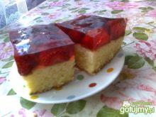 Szybkie ciasto z galaretką i truskawkami