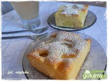 Szybkie jogurtowe ciasto z ananasem