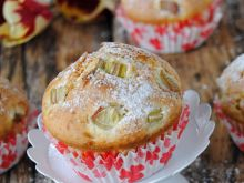 Szybkie muffinki z rabarbarem