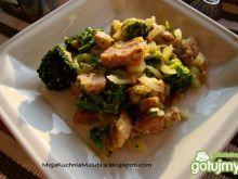 Szyneczka z brokułem i parmezanem