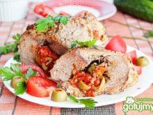 Szynka pieczona z mozzarellą, pomidorami