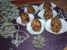 Szyszki z masą krówkową i kakao