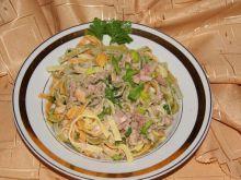 Tagliatelle  z tuńczykiem i anchovies