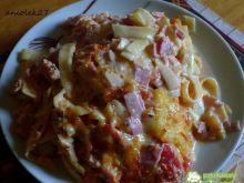 Tagliatelle zapiekane z szynką i pomidor