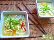 Tajska zupa z kurczakiem i mleczkiem
