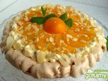 Tarta bezowa z brzoskwiniami