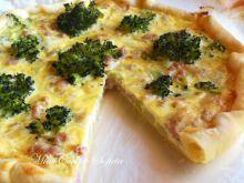 Tarta z brokułami i białą kiełbasą