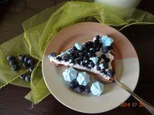 Tarta z jagodami i borówkami