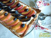Tarta z kremem i owocami 2