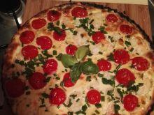 Tarta z krewetkami, pomidorkami i szczypiorkiem