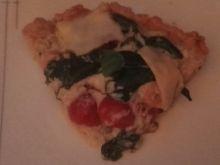 Tarta z łososiem, pomidorami i szpinakiem