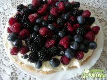 Tarta z malinami, borówkami, jeżynami