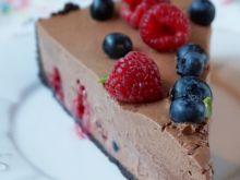 Tarta z musem czekoladowym i malinami