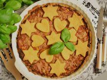 Tarta z tuńczykiem w sosie pomidorowym