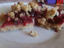 Tarta z wiśniami, porzeczkami i malinkami