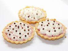 Tartaletki ze śmietaną i arbuzową galaretką