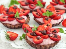 Tarteletki z manną truskawkową