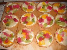 Tarteletki z masą i owocami