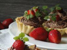 Tarteletki z truskawkami i kremem