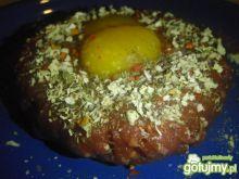 Tatar wołowy z mieszanką ziół włoskich