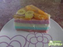Tęczowy jogurtowiec z owocami