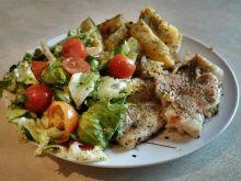 Tilapia z ziemniakami i wiosenną sałatką