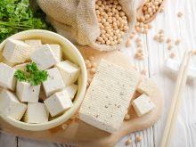 Tofu zamiast mięsa - przepis na boczek i mielone z tofu