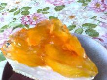 Torcik brzoskwiniowy bez pieczenia