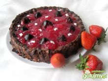 Torcik czekoladowy z truskawkami