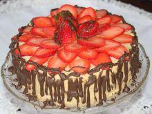 Torcik truskawkowo-czekoladowy