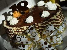 Torcik z czekoladkami