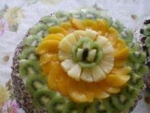 Tort ajerkoniakowy z owocami