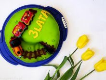 Tort Ambasador z cukrową dekoracją