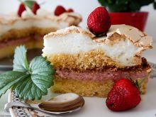 Tort bezowo - truskawkowy